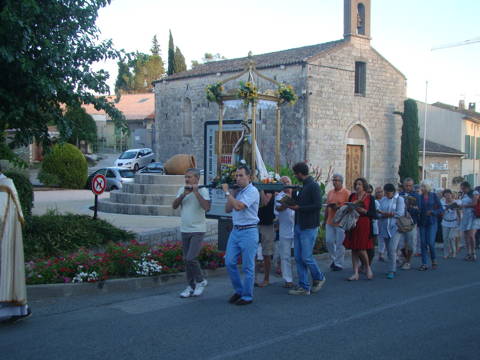 procession_03