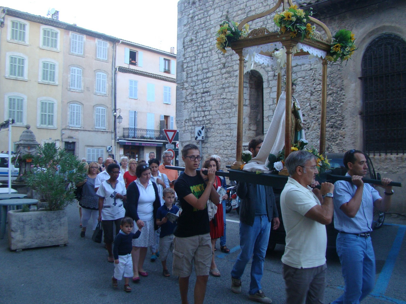 procession_06