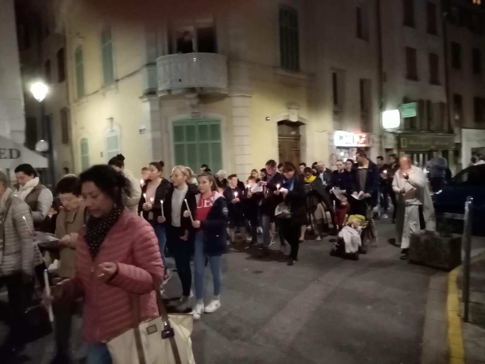 procession04