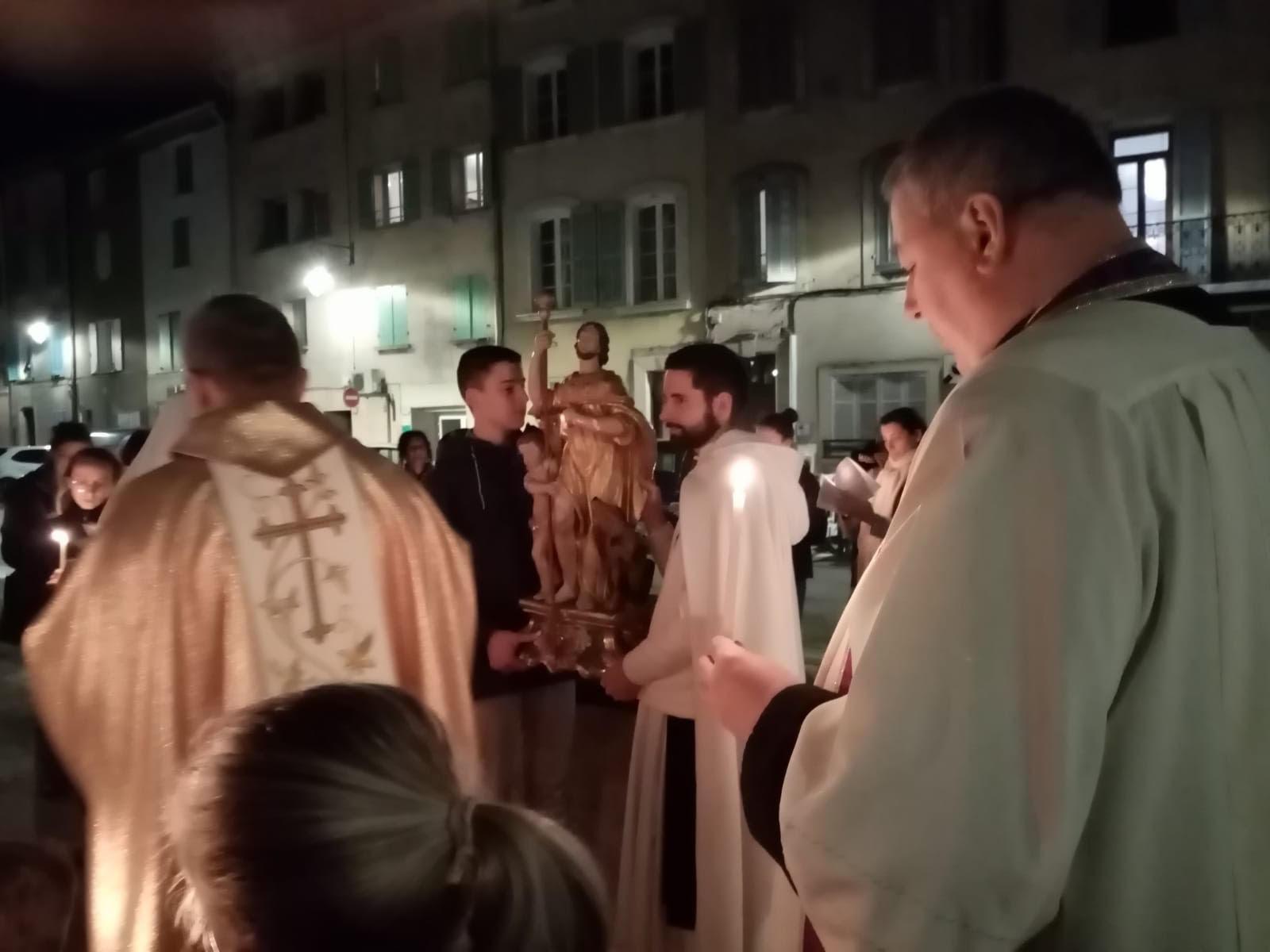 procession05